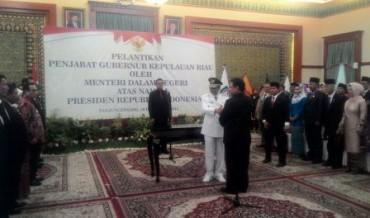 Mendagri Lantik Penjabat Gubernur Kepri Pengganti Agung Mulyana