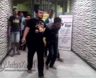 Usai Menikam Pacarnya, MH ditangkap Polisi