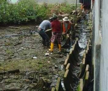 """Tukang Nilai Proyek """"Amburadul"""" Mubazir dan Tak Berguna Dibuat Diatas Laut"""