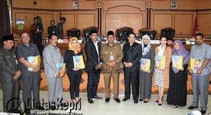 DPRD Tanjungpinang Gelar Paripurna LKPJ TA 2015