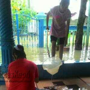 Rumah Warga di Jalan Sutan Syahrir Tanjungpinang Kebanjiran