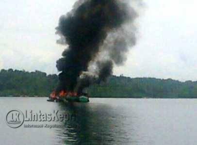 15 Kapal Pencuri Ikan di Kepri Dihancurkan