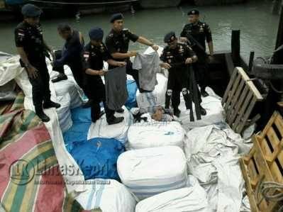 BC Karimun Tangkap Kapal Penyelundup