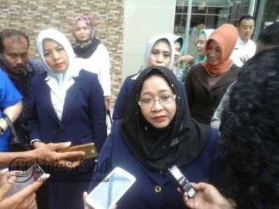 Isteri Gubernur Kepri Masih Enggan Menjadi Warga Negara Indonesia