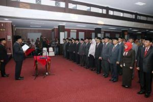 Walikota Tanjungpinang, Lis Darmansyah saat melantik pejabat eselon II, Kamis (12/1).