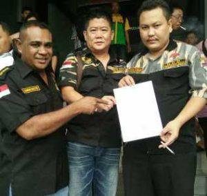 Foto: paling atas DPP PEKAT IB bersama Ketua DPW Kepri dan DKI usai membuat laporan ke Polda Metro Jaya.