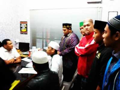 Ketua FPI, Ustadz Dedi Sanjaya dan Para Ulama saat diruangan Reskrim Polres Tanjungpinang.