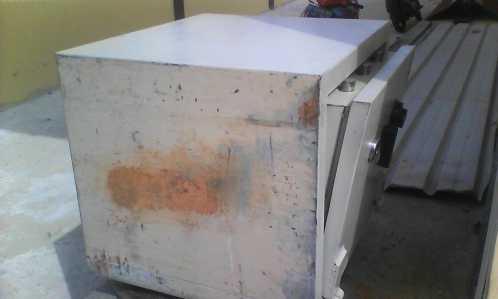 Kotak amal di rumah Abu Bhakti Loka yang berada dilokasi pembakaran mayat Kilometer 8, raib digondol maling.