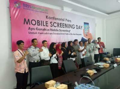 BPJS Kesehatan dan Pihak Terkait Saat Foto Bersama usai Konferensi Pers Mobile Screening Day.