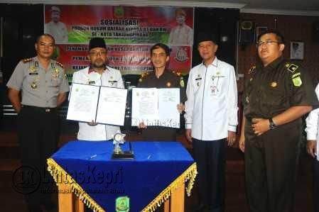 Sosialisasi produk hukum daerah kepada RT dan RW se-Kota Tanjungpinang.