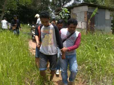 Kedua pelaku tersebut yakni Riyan Riyantono (20) warga Kampung Harapan Dompak Lama, Gang Batu Naga, dan Rinaldi (19) Warga Sei Jang.