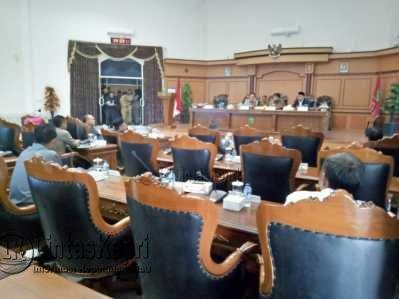 Walikota Tak Hadir, Paripurna Propemperda Kota Tanjungpinang Ditunda