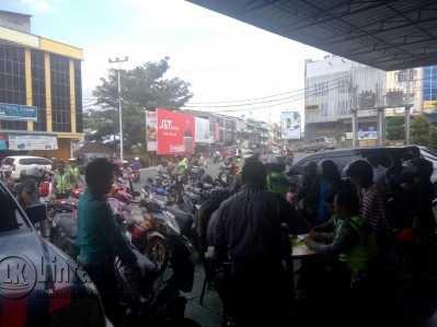Puluhan Kendaraan saat Terjaring Razia yang Digelar Satlantas Polres Tanjungpinang di Jalan Ketapang, Rabu (22/3).