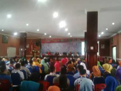 Sosialisasi tentang Pungutan Liar (Pungli) ke guru-guru di Kota Tanjungpinang, Kamis (16/3) di Aula Arsip Kota Tanjungpinang.