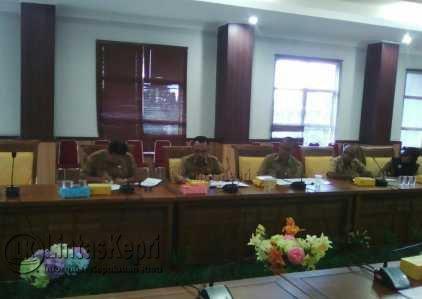 Komisi IV DPRD Batam RDP dengan Dinas Pendidikan Batam.