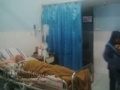 Darmayanti (39) warga Tanjung Balai Karimun, penderita tumor otak harus berjuang menghadapi penyakit ganas yang dideritanya dan kini dirawat di RSAL Tanjungpinang.