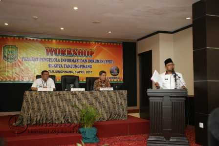 Walikota Buka Workshop PPID Tanjungpinang.