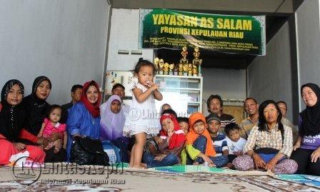 Ambasador EP-SI wilayah Indonesia, Wiendy Citra Indiapsari, saat  berada di yayasan Yayasan As Salam  Tanjungpinang yang akan mendapat bantuan dari EP-SI.