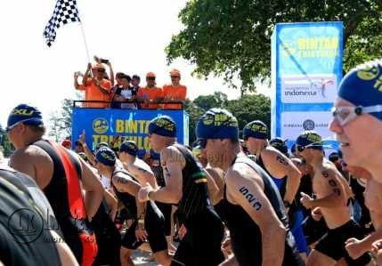 37 Negara dan 1300 Peserta Meriahkan Triathlon 2017 di Bintan.