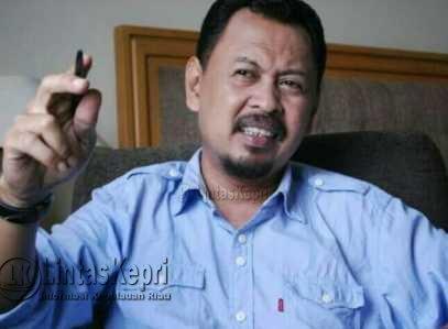 Wakil Ketua II DPRD Kepri, Husnizar Hood, Jumat (12/5).