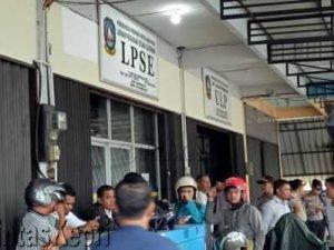 Ketua Gapensi Provinsi Kepri, Andy Cory Fatahuddin mendatangi kantor LPSE Kepri