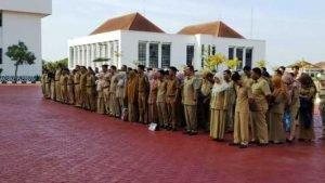 Apel Gabungan di lapangan kantor Gubernur, Dompak, Tanjungpinang, senin (9/1).