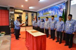 Sekda Prov Kepri, Arif Fadillah saat membuka Musyawarah Kabupaten (Muskab) Korpri Kabupaten Karimun di Balai View Hotel, Tanjungbalai, Kamis (9/3).