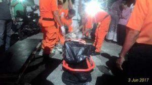 Korban yenggelam di Cempa Kabupaten Lingga Di bawa ke Tanjungpinang.