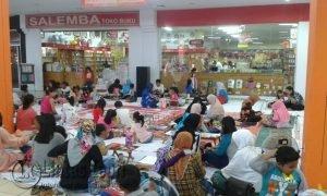 Kegiatan lomba mewarnai yang diikuti oleh anak dibawah 10 tahun, di lantai 2 Ramayana Mall Tanjungpinang.