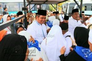 Bupati dan Wakil Bupati Sambut Jamaah Haji Kabupaten Bintan