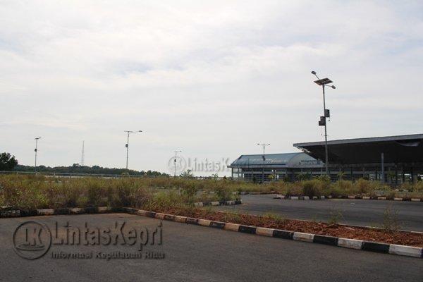 Inilah lampu penerangan jalan umum yang terpasang di Pelabuhan Internasional Dompak, Kepri.