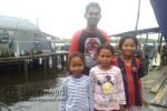 Anak Suku Laut Pertama yang Berhasil Tempuh Pendidikan