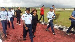 Rombongan Menteri Susi tiba di Lanud Raden Sadjad Natuna.