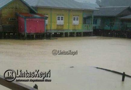 Tambelan Banjir dan Tanah Longsor