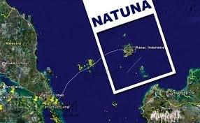 Tampak didalam peta, Natuna berbatasan dengan beberapa negara di Asia.