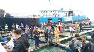 Salah satu keramba ikan milik pengempul ikan napoleon, yang menjadi tempat kapal Hongkong bersandar, untuk membawa ikan ekspor.