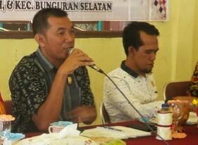 Dari kiri, Ketua Komisi III Harken dan Ketua DPRD Natuna Yusripandi.