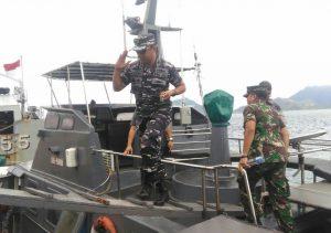 Danlanal Ranai saat tiba di Pelabuhan Pos AL Sabang Mawang Barat.