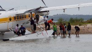 Penumpang pesawat dari Anambas yang mendarat di Ocarina.