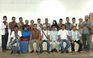 Ketua beserta Anggota AJOI Natuna foto bersama usai kegiatan buka bersama Pemda dan Anak Yatim.