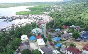 Perkampungan di Kecamatan Serasan, Kabupaten Natuna.