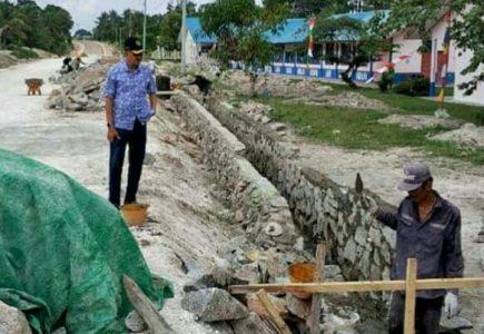Bupati Natuna Tinjau Pembangunan Jalan Setengar – Selat Lampa