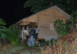 Sebuah gubuk kecil di Puak, yang diduga digunakan sebagai tempat mesum pasangan bukan suami istri.