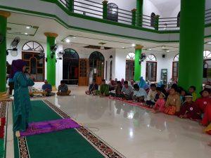 Suasana lomba membaca ayat pendek di Masjid Al-Furqan, Kecamatan Serasan.