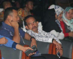 Ketua DPRD Natuna Yusripandi (kemeja putih) duduk bersama Danlanal Ranai Kolonel Laut (P) Harry Seryawan.