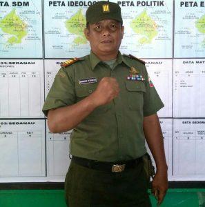 Danramil 03/Sedanau Kapten (Arm) Bambang Hendratno.