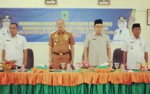 Wakil Ketua II DPRD Natuna Daeng Amhar bersama Bupati, Kaban BP3D dan Camat Bungteng.