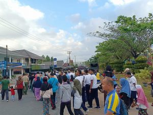 Ribuan masyarakat Natuna tampak tumpah ruah memadati jalanan di Kota Ranai, untuk mengikuti Jalan Santai dalam rangka peringatan HPN ke 73.