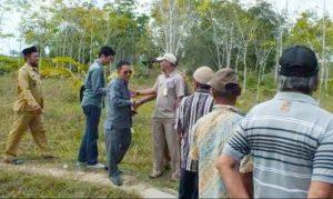 Ketua Komisi II DPRD Natuna beserta Anggota saat melaksanakan kunjungan kerja.