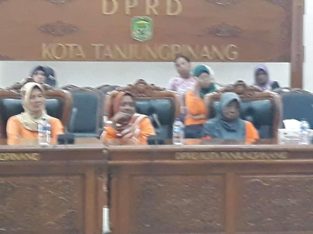 Rapat Dengar Pendapat bersama DPRD dengan Pemerintah Kota Tanjungpinang melalui Dinas Perkim, Senin (4/3).